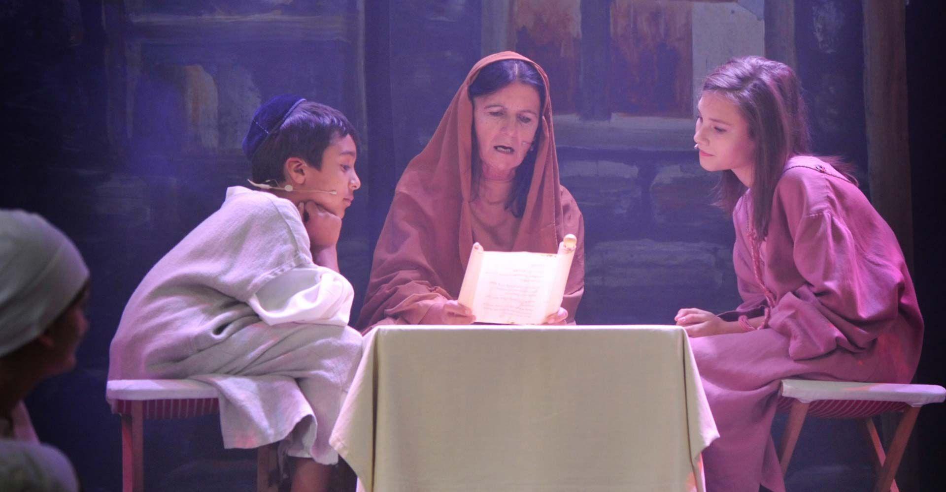 Die Prophetin Hanna mit Kindern